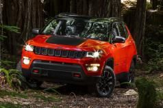 �� ������ Grand Cherokee: Jeep ������� ����� Compass