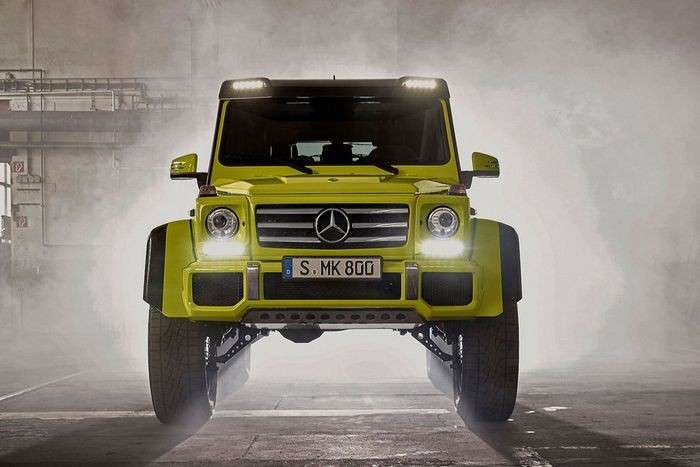 https://www.abw.by/photos/news_photos/2015/06/21/Mercedes-G500-4-4--fotoshowBigImage-2.jpg